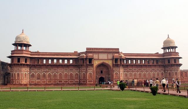 Jahangiri-Mahal-Agra-fort