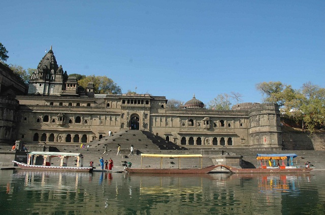 Maheshwar-Tourist Places In Madhya Pradesh